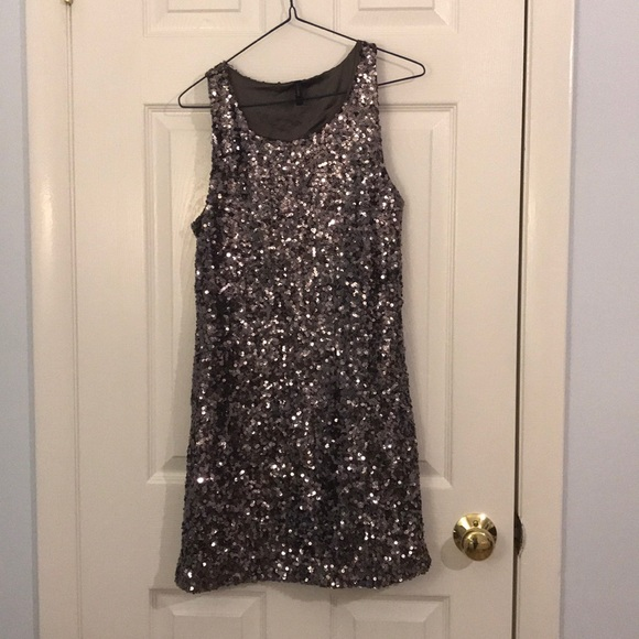 Dresses & Skirts - Holiday sequin dress
